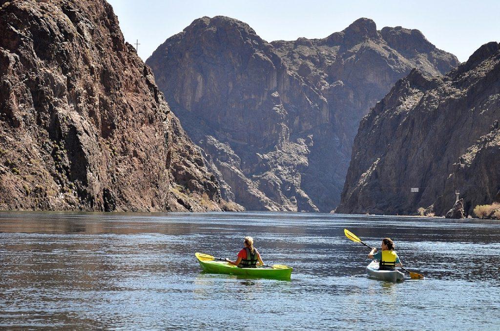 kayaking outside in las vegas